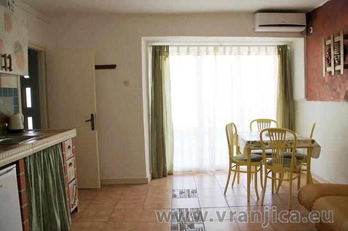 https://www.vranjica.eu/pokoje/apartman-jelavic-trpanj-ap3-3--v-6706.jpg