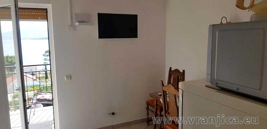 https://www.vranjica.eu/pokoje/apartman-jelica-ap3-2-1-1623241160L.jpg