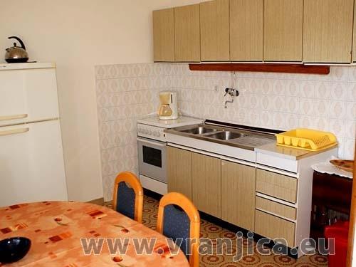 Chorvatcko Apartmán JELICA - SLATINE AP4 (4+1) AP2 (6)