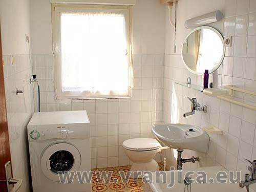 https://www.vranjica.eu/pokoje/apartman-jelica-slatine-ap2-6--v-2328.jpg