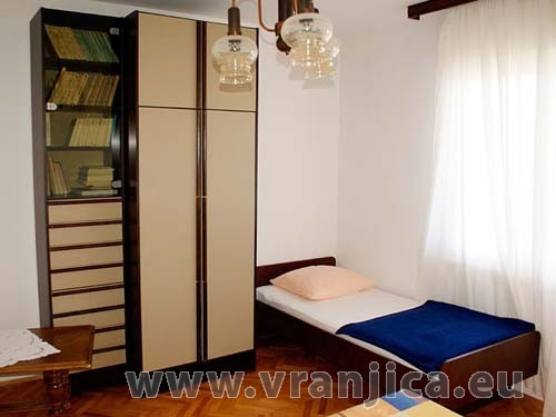 https://www.vranjica.eu/pokoje/apartman-jelica-slatine-ap2-6--v-2332.jpg
