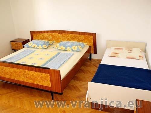 https://www.vranjica.eu/pokoje/apartman-jelica-slatine-ap2-6--v-2334.jpg
