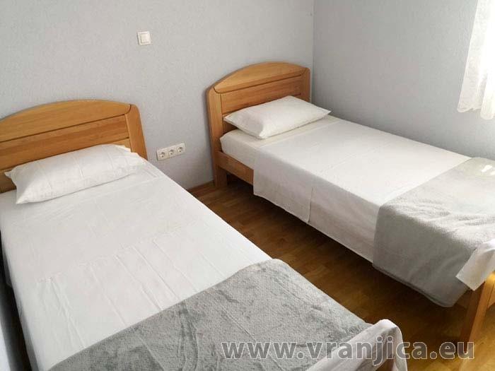 https://www.vranjica.eu/pokoje/apartman-kristo-ap3-4-2--v-7776.jpg