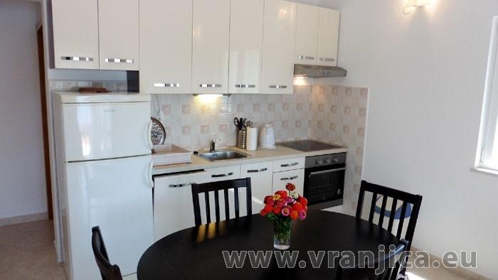 https://www.vranjica.eu/pokoje/apartman-kustura-ap1-2-3--v-3978.jpg