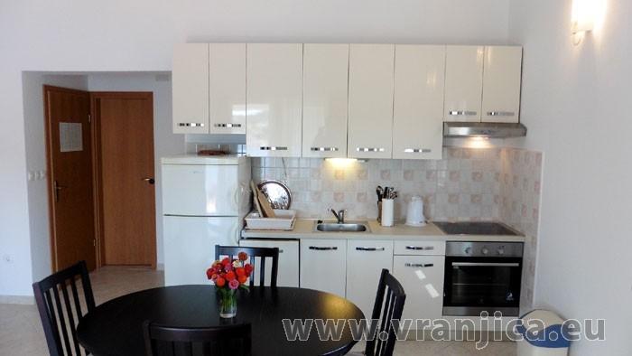 https://www.vranjica.eu/pokoje/apartman-kustura-ap1-2-3--v-3979.jpg
