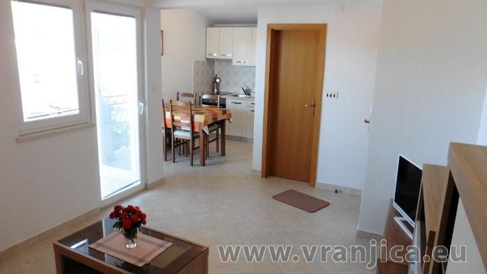 https://www.vranjica.eu/pokoje/apartman-kustura-ap2-2-2--v-3995.jpg