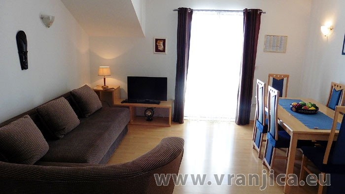 https://www.vranjica.eu/pokoje/apartman-lada-ap1-4--v-4227.jpg