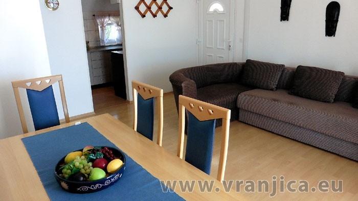 https://www.vranjica.eu/pokoje/apartman-lada-ap1-4--v-4228.jpg