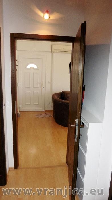 https://www.vranjica.eu/pokoje/apartman-lada-ap1-4--v-4229.jpg