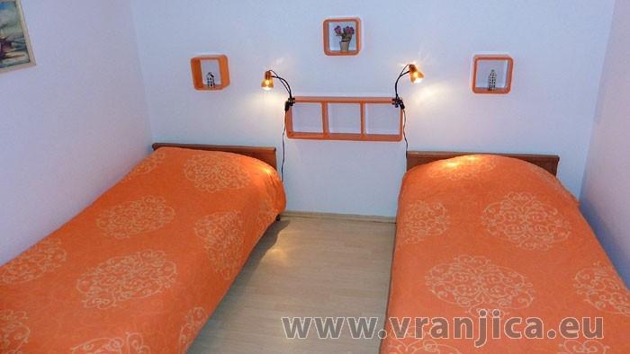 https://www.vranjica.eu/pokoje/apartman-lada-ap1-4--v-4233.jpg