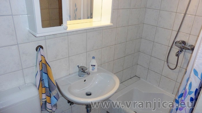 https://www.vranjica.eu/pokoje/apartman-lada-ap1-4--v-4238.jpg
