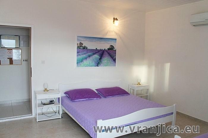 https://www.vranjica.eu/pokoje/apartman-lada-ap2-3-1--v-5551.jpg