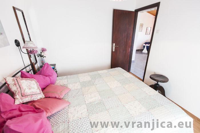 https://www.vranjica.eu/pokoje/apartman-lina-ap1-4-1-1609248035L.jpg