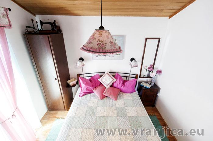 https://www.vranjica.eu/pokoje/apartman-lina-ap1-4-1-1609248057L.jpg