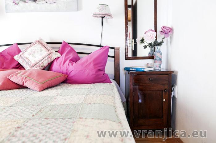 https://www.vranjica.eu/pokoje/apartman-lina-ap1-4-1-1609248066L.jpg