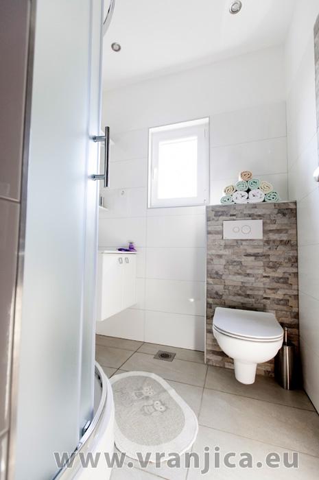 https://www.vranjica.eu/pokoje/apartman-lina-ap1-4-1-1609248161L.jpg