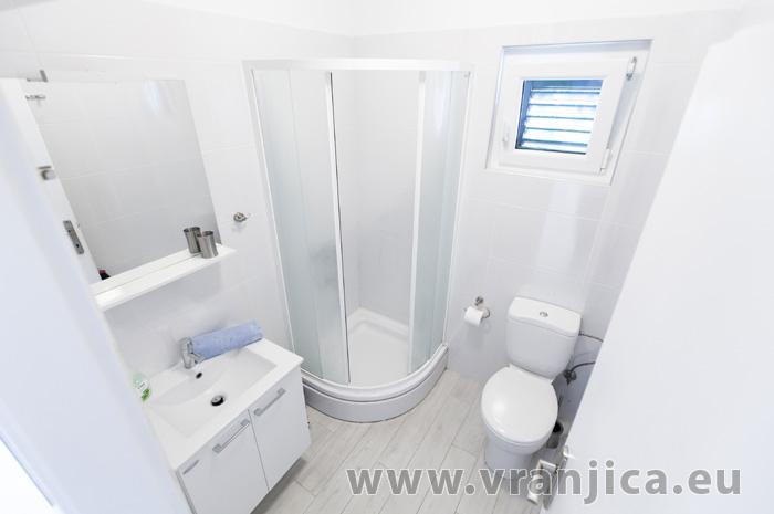 https://www.vranjica.eu/pokoje/apartman-lina-ap2-4-1-1609250086L.jpg