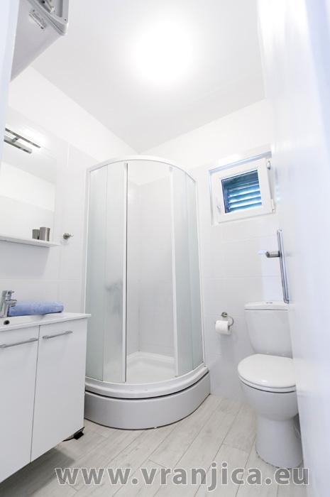 https://www.vranjica.eu/pokoje/apartman-lina-ap2-4-1-1609250097L.jpg