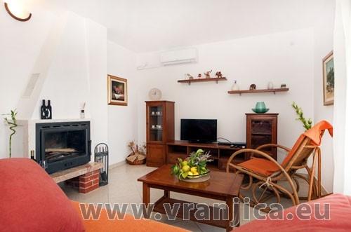 https://www.vranjica.eu/pokoje/apartman-loranum-ap1-4-2--v-3276.jpg