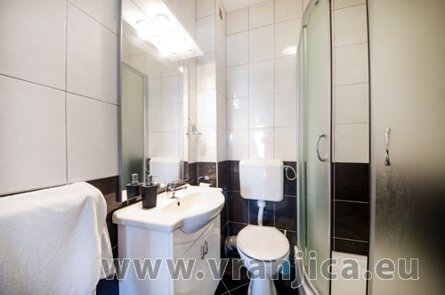 https://www.vranjica.eu/pokoje/apartman-loranum-ap1-4-2--v-3278.jpg