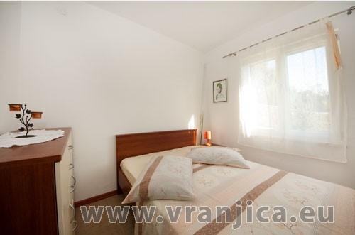 https://www.vranjica.eu/pokoje/apartman-loranum-ap1-4-2--v-3287.jpg