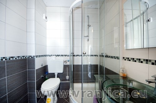https://www.vranjica.eu/pokoje/apartman-loranum-ap2-4-2--v-3297.jpg