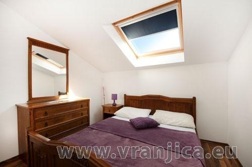 https://www.vranjica.eu/pokoje/apartman-loranum-ap2-4-2--v-3306.jpg