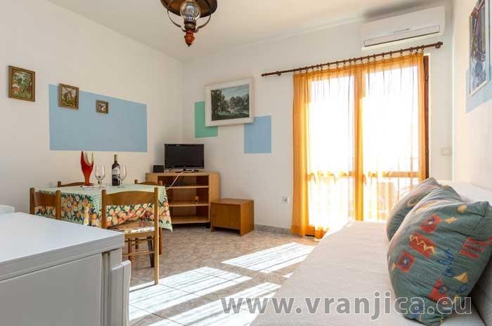 https://www.vranjica.eu/pokoje/apartman-luka-ap1-2-2--v-5717.jpg