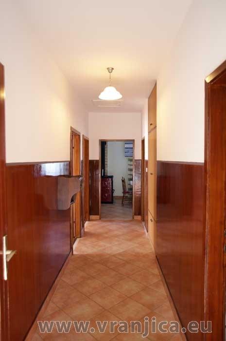 https://www.vranjica.eu/pokoje/apartman-marin-ap1-6-1--v-5798.jpg