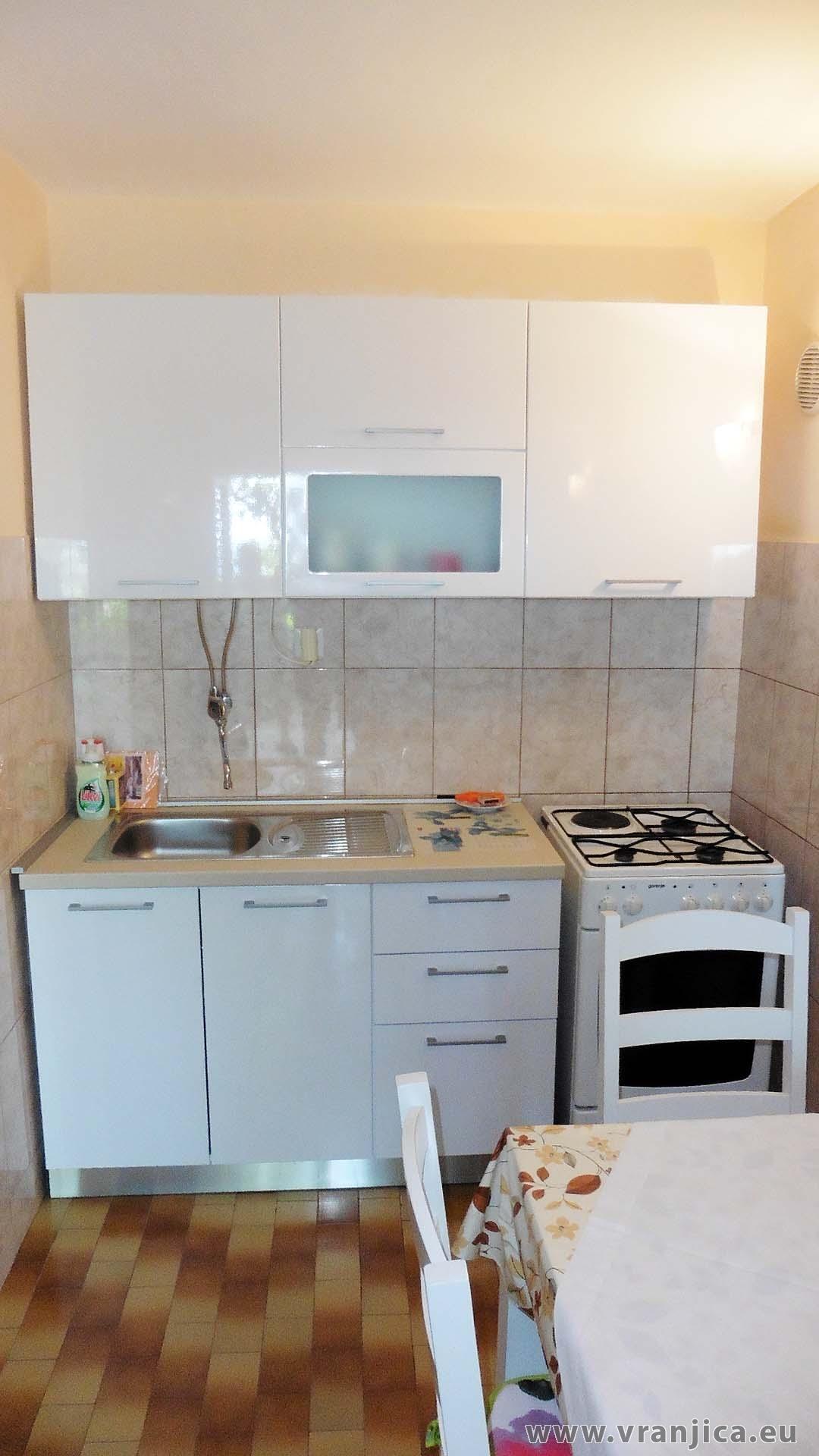 https://www.vranjica.eu/pokoje/apartman-marko-ap-dolni-3-1-1574328623L.jpg