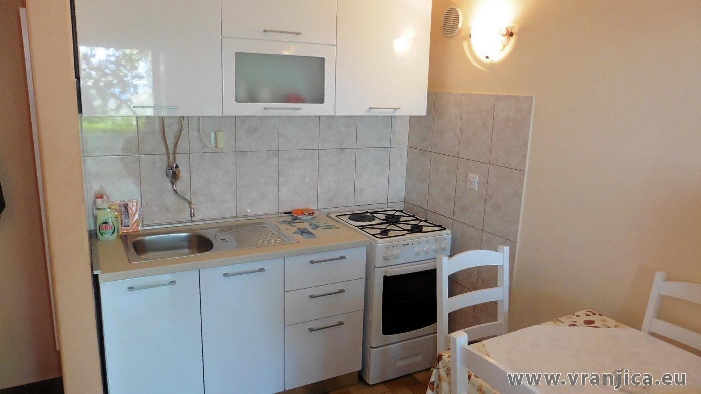 https://www.vranjica.eu/pokoje/apartman-marko-ap-dolni-3-1-1574328651L.jpg