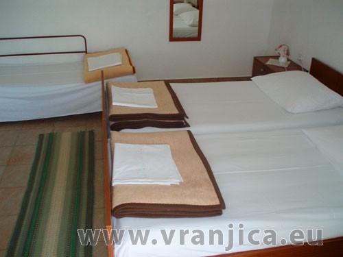 https://www.vranjica.eu/pokoje/apartman-marko-ap-stred-2-1--v-861.jpg