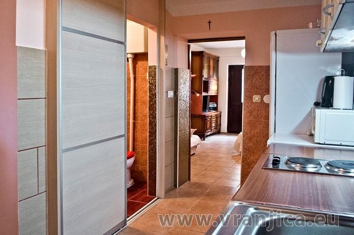 https://www.vranjica.eu/pokoje/apartman-martin-ap5-2-1--v-6398.jpg