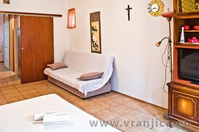 https://www.vranjica.eu/pokoje/apartman-martin-ap5-2-1--v-6400.jpg