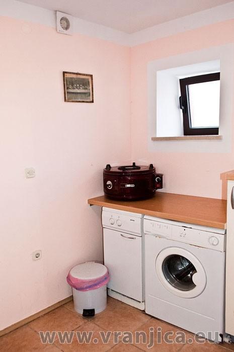 https://www.vranjica.eu/pokoje/apartman-martin-ap5-2-1--v-6404.jpg