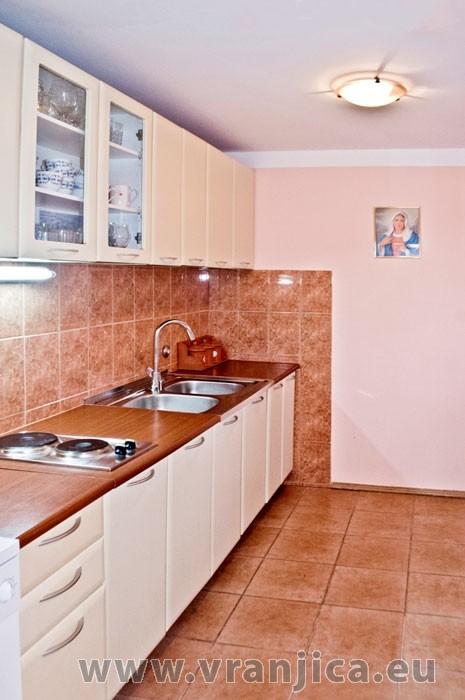 https://www.vranjica.eu/pokoje/apartman-martin-ap5-2-1--v-6405.jpg