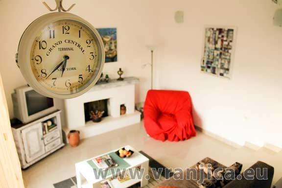 https://www.vranjica.eu/pokoje/apartman-mico-vinisce-ap1-4-1--v-2612.jpg