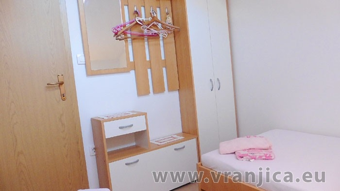 https://www.vranjica.eu/pokoje/apartman-mila-ap2-4-1--v-6464.jpg