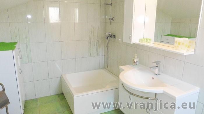 https://www.vranjica.eu/pokoje/apartman-mila-ap2-4-1--v-6467.jpg