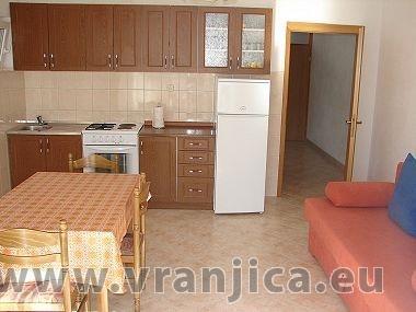 https://www.vranjica.eu/pokoje/apartman-mirko-vinisce-ap2-2-2--v-2455.jpg