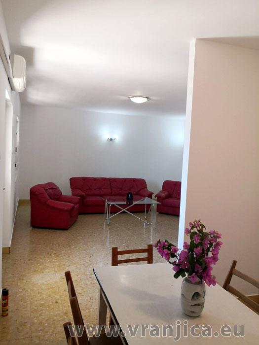 https://www.vranjica.eu/pokoje/apartman-paulina-ap1-6-1624918026L.jpg