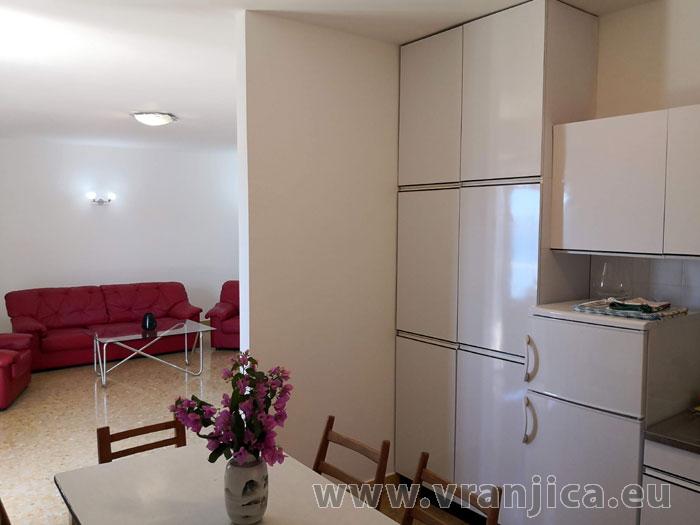 https://www.vranjica.eu/pokoje/apartman-paulina-ap1-6-1624918045L.jpg
