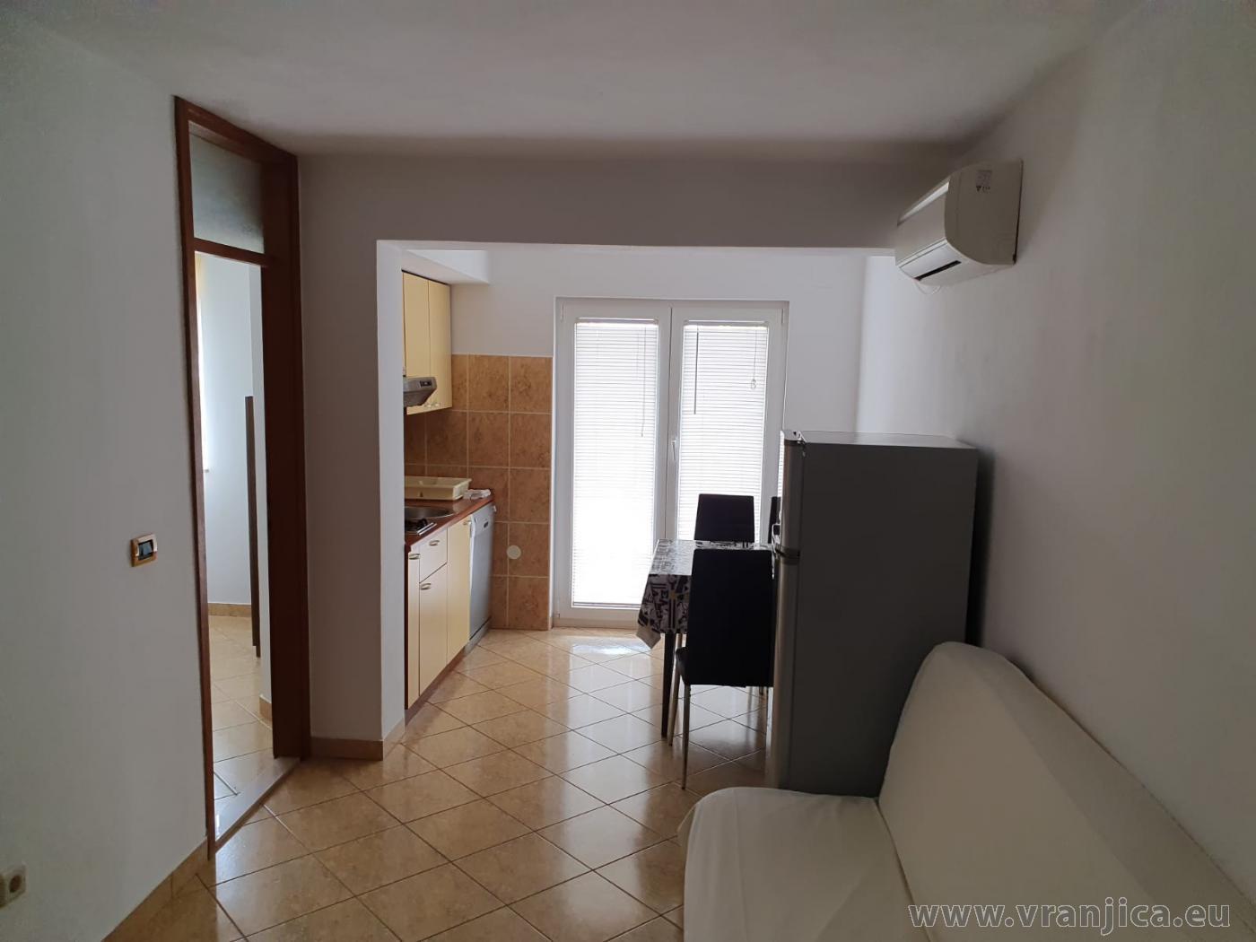 https://www.vranjica.eu/pokoje/apartman-radacic-ap1-4-1-1597763453L.jpg