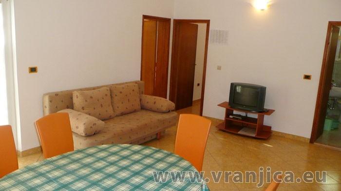 https://www.vranjica.eu/pokoje/apartman-radacic-ap2-4-2--v-2887.jpg