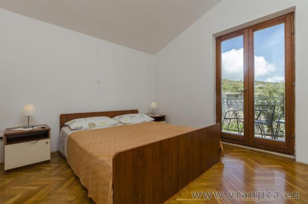 https://www.vranjica.eu/pokoje/apartman-sole-ap2-2-2-1626206701L.jpg