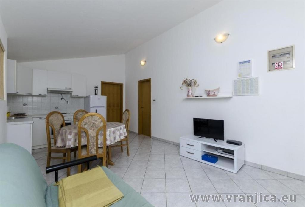 https://www.vranjica.eu/pokoje/apartman-sole-ap2-2-2-1626206733L.jpg