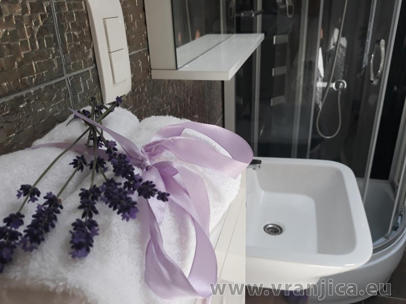 https://www.vranjica.eu/pokoje/apartman-tamaris-ap1-4--v-7420.jpg