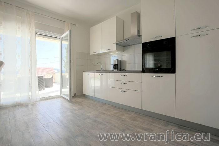 https://www.vranjica.eu/pokoje/apartman-tesija-ap1-4-1--v-6117.jpg