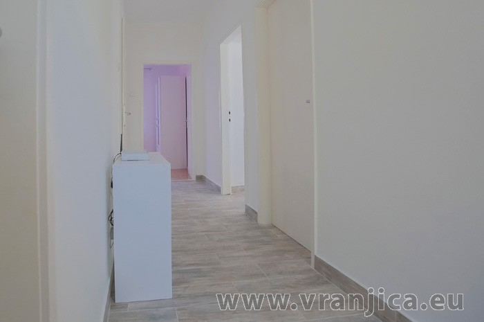https://www.vranjica.eu/pokoje/apartman-tesija-ap1-4-1--v-6123.jpg