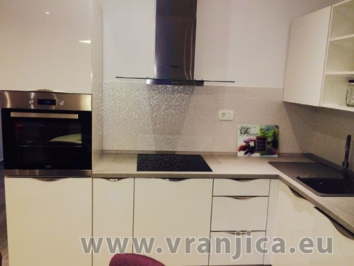 https://www.vranjica.eu/pokoje/apartman-tica-ap1-6-1--v-5304.jpg